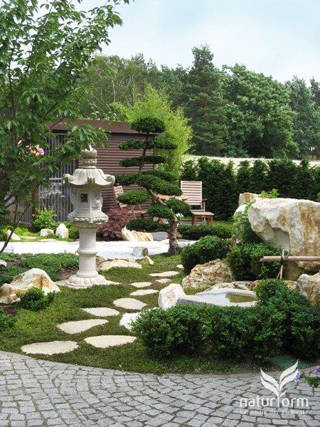 vorher nachher naturform garten und landschaftsbau japanischer garten und koiteichbau. Black Bedroom Furniture Sets. Home Design Ideas