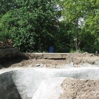 Japangarten mit Koiteich im Bau