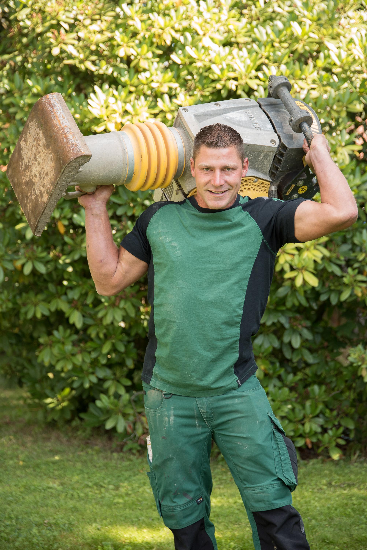 Marcus Degelmann arbeitet im Garten und Landschaftsbau in Bayreuth seit 2003.